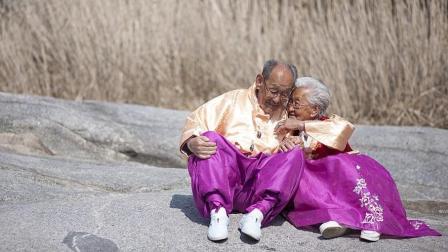 亲爱的不要跨过那条江: 感受100年的不爱情
