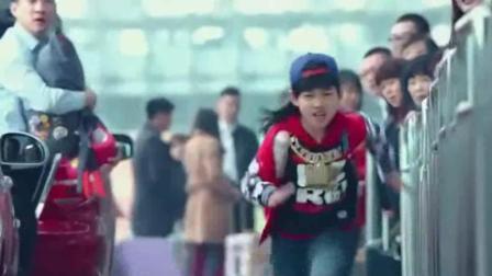 龙拳小子: 看小男孩是如何追坏人的, 比成龙的都精彩!
