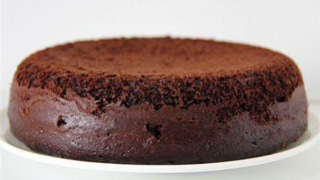 电饭锅做巧克力蛋糕就是这么简单, 快来学着吧!