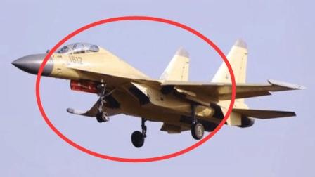 迪拜航展上展示的各国战机, 中国的歼16战机十分抢眼