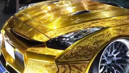 纯黄金跑车, 这车很迪拜!