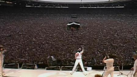 英国老牌摇滚乐队上演数万人合唱
