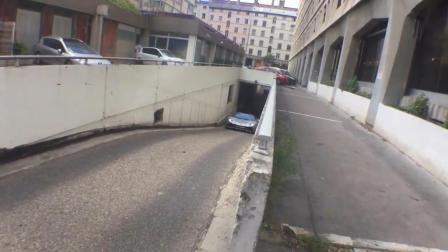 地下停车场遇到一辆兰博基尼, 10秒钟以后车主哭了