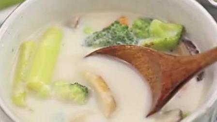 美食做法: 低脂时蔬豆浆汤