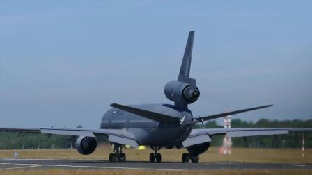 实拍: 洛克希德马丁超三星L1011客机起飞, 难得一见的民航客机