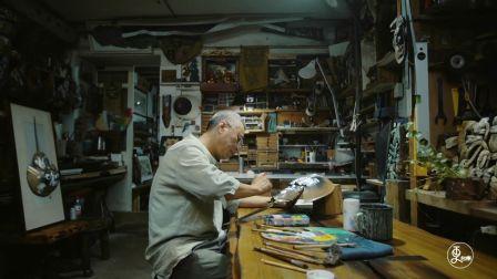 别人不要的海边废品,大叔捡回家制成海洋主题工艺品,价值翻数倍