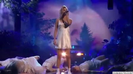 赛琳娜被批在全美音乐节上假唱