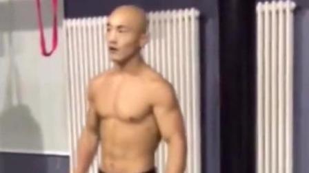 中国猛将, 武僧一龙钢筋铁骨, 看他是如何训练的!