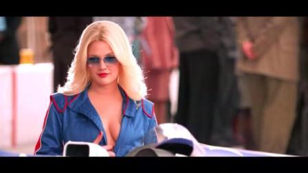 美女化身赛车宝贝, 性感迷人