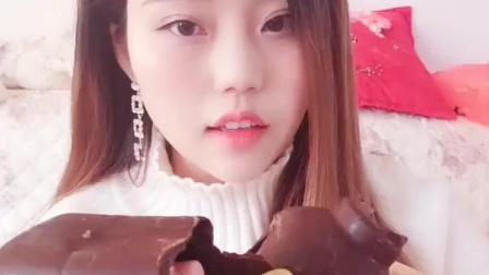 巧克力瓶子里面装上QQ糖, 好吃又好玩