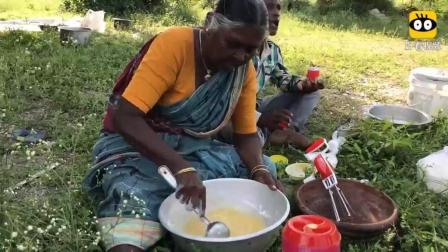 印度老奶奶野炊, 没有烤箱也能做海绵蛋糕, 看看她是怎么做的?