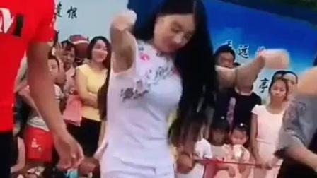 陕西最火广场舞燕姐穿短裤跳广场舞 广场舞女神就是我燕姐哦