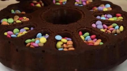教你制作美味的巧克力糖果蛋糕, 做法简丹, 更加受欢迎