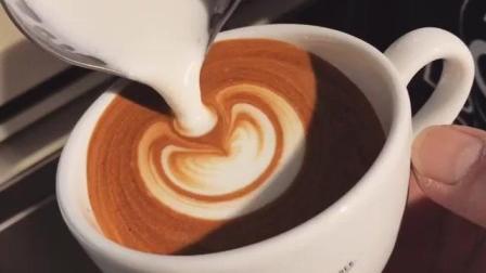【每日咖啡拉花】包心小杯-拿铁艺术咖啡拉花(ins@shawn_chen1026 )
