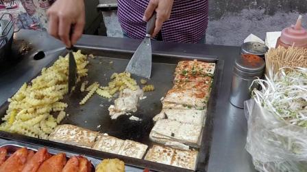 3块钱一份铁板烧豆腐, 还有麻辣土豆条