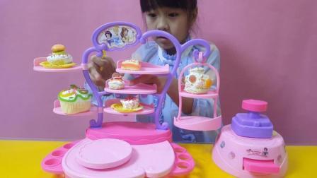 白雪公主蛋糕机做美味糕点过家家玩具