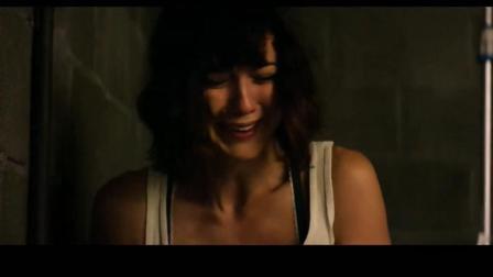 极力推荐 美国悬疑惊悚电影《科洛弗道10号》, 美女车祸醒来被困地窖中