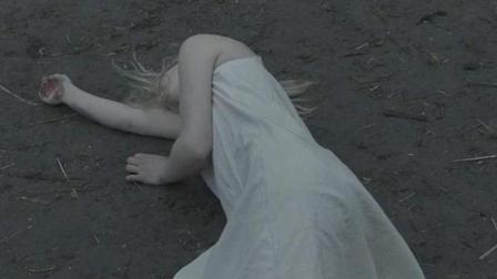 17岁以下禁止观看的一部电影, 泯灭人性的女主, 血与肉的战争