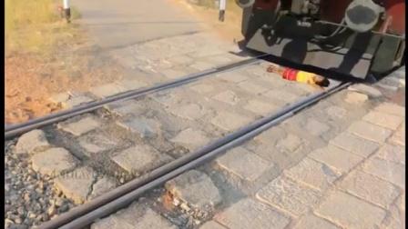 如果有人卧轨被撞死, 火车司机到底要不要负责任?