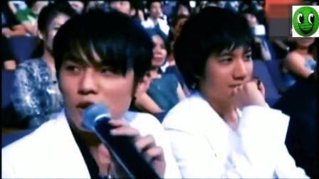 05年周杰伦王力宏王对王, 各自翻唱对方歌曲, 感觉王力宏赢了