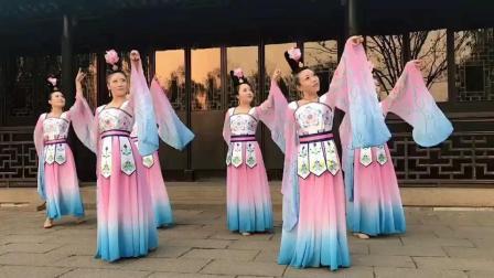 古代广场舞是这样跳的, 姐姐们跳广场舞好漂亮啊