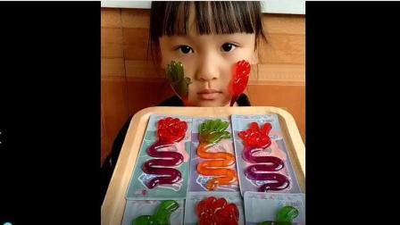 美食小吃货;水果味的沾手糖, 童年的回忆!