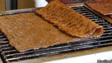 香港街头美食: 超一大片的烤肉, 你真的不心动吗