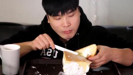 韩国大胃王豪放派小哥吃一块奶油戚风蛋糕
