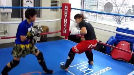 日本天才拳击少年对练, 这爆发力有点强