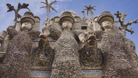 一位邮递小哥捡了33年石头, 想造个宫殿, 建成后宫殿内惊艳世界