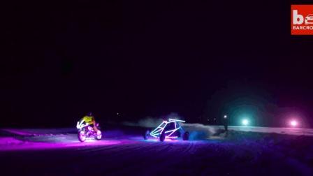 LED光速之战——梭鱼号越野卡丁车对决摩托车