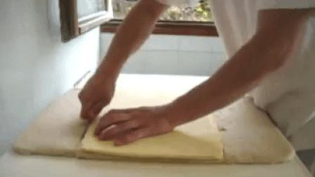 疯狂的面包师-Croissants牛角面包制作