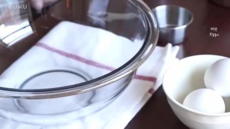 洪培教程烘焙教学-覆盆子夏洛特蛋糕打发淡奶油