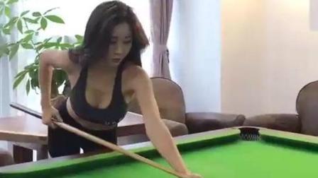 你们觉得这位美女的球技怎么样?
