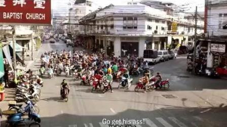千人骑摩托追赶一人, 这场面太霸道了, 简直要把人给吃了,