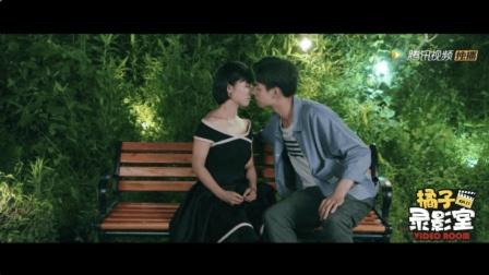"""江辰陈小希的""""尬甜""""初吻, 看的我姨母心爆棚!"""
