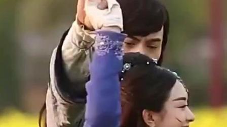 赵丽颖和陈伟霆在拍什么戏呢, 这么开心