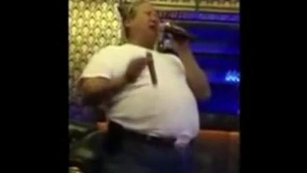 功夫巨星洪金宝演唱《我不做大哥好多年》