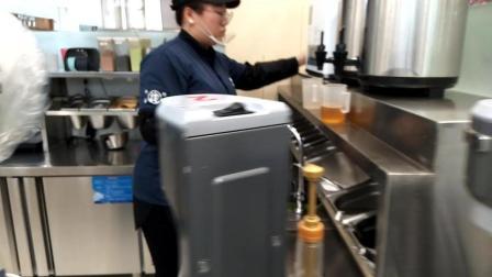 黑龙堂奶茶制作的方法 金桔蜜柚饮品