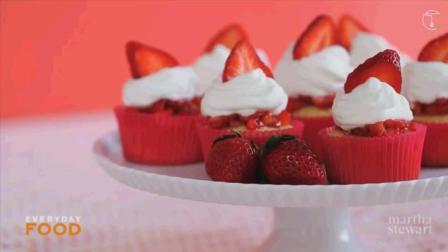 〈烘焙甜心〉草莓杯子水果蛋糕│Strawberry Shortcake Cupcake