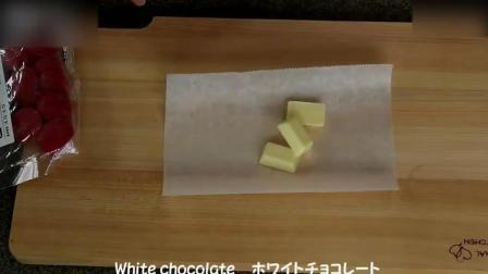 西点烘焙教程Kitty猫草莓蒸蛋糕, 小盆友们应该喜欢自制奶油