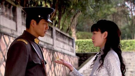 热恋中的女人柔情似水, 钟汉良李小冉这段视频让人心生妒忌