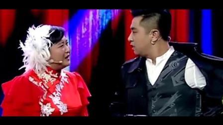 《欢乐喜剧人》贾玲猛上演吹酒瓶 宋晓峰小沈阳