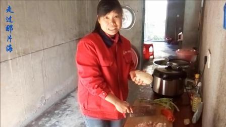 家常菜 炒莲藕的做法大全视频 莲藕要选池塘里长的藕 这种藕肉白脆