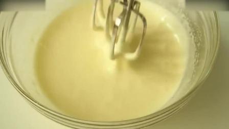 慕斯蛋糕教程烘焙教学- 颜值爆表的草莓鲜奶蛋糕奶油制作