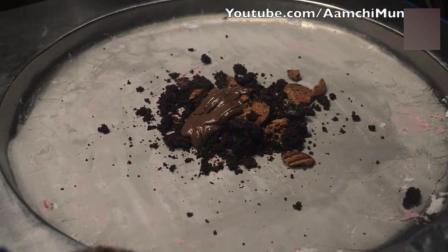 你见过黑色的炒酸奶冰激凌吗? 他是印度最好的最好冰激凌