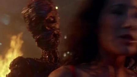 怪物刀枪不入, 烧成骷髅后附身美女, 三位女侠都不是对手