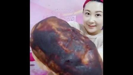 东北大姐吃最流行的脏脏包, 里面还有果酱带劲!