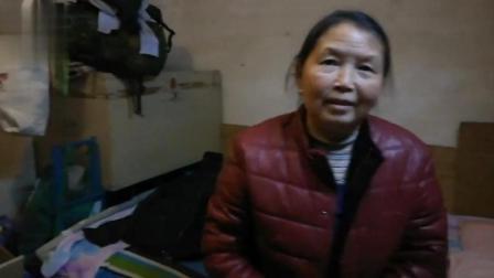 60岁老人北京打工每月挣2200还债, 因儿子结婚欠下20多万!