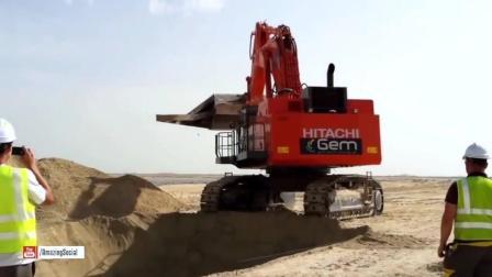 这是我见过最奇葩的挖掘机!